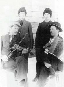 Allan med fiol och Fritiof Wallgren med dragspelet
