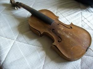 Allans hemmatillverkade fiol från 1920-talet