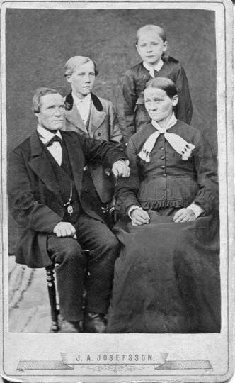 O P Sundvall med familj
